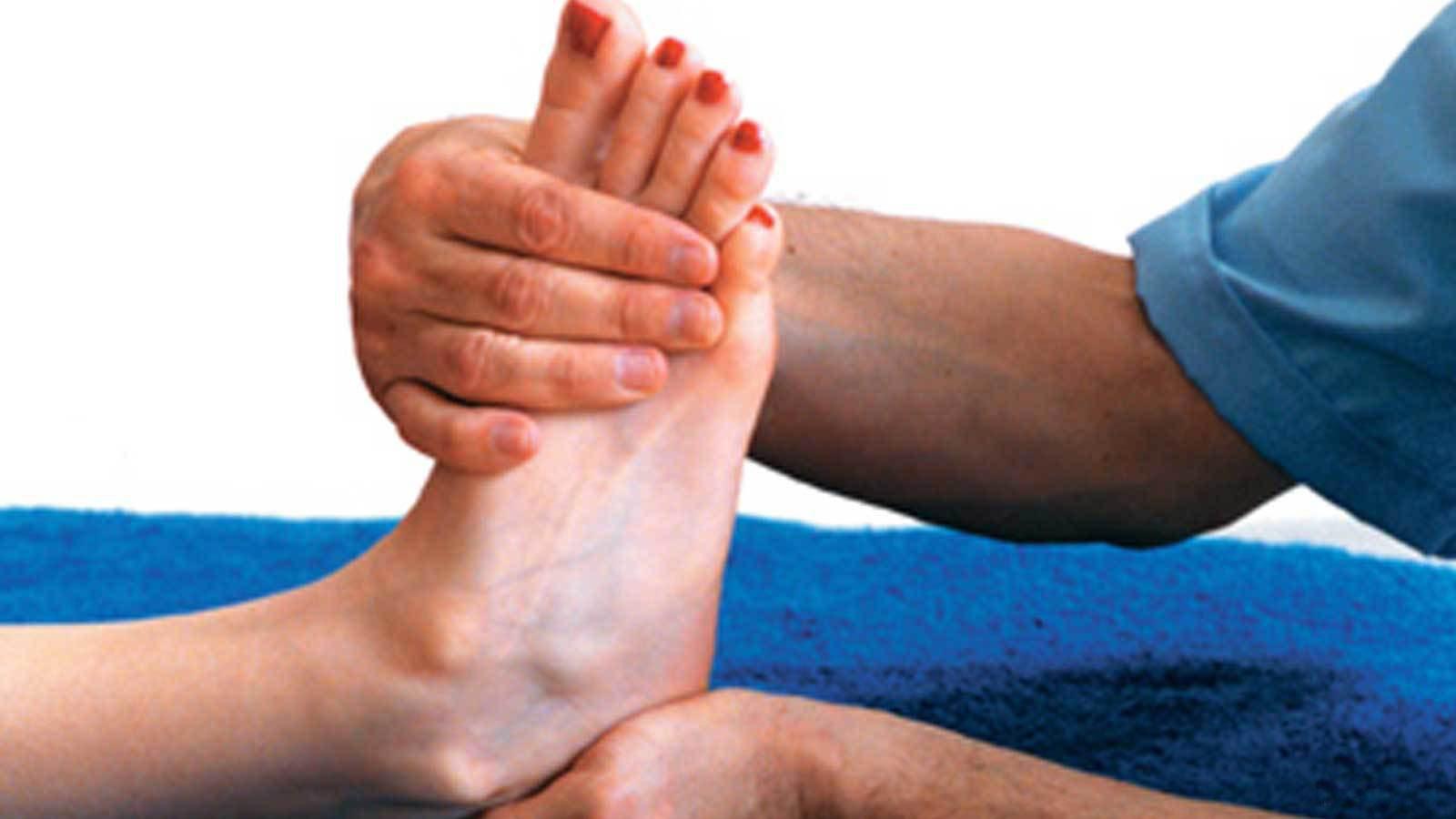 Деформация ногтей на руках - причины и лечение